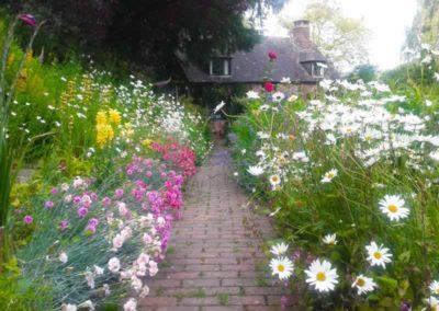 15.32_St-Pancras-Chapel_path-flowers