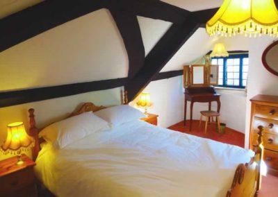 8.32_St-Pancras-Chapel_bedroom1