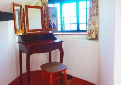 8.33_St-Pancras-Chapel_bedroom1
