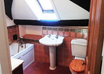 8.41_St-Pancras-Chapel_upstairs-bathroom