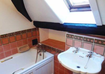8.42_St-Pancras-Chapel_upstairs-bathroom